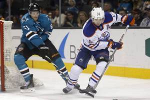 oilers-sharks-14-12-09a