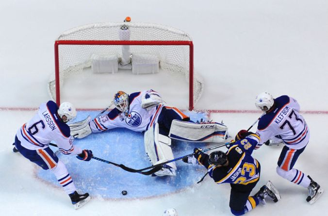 9908808-nhl-edmonton-oilers-at-st.-louis-blues-850x560