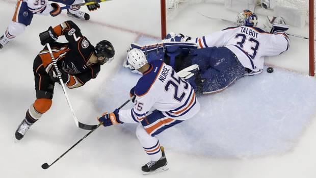 ANA115_Oilers_Ducks_Hockey