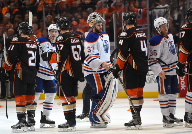 handshake_Oilers_at_Ducks