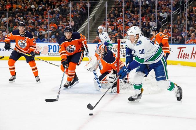 Vancouver+Canucks+v+Edmonton+Oilers+GMeVxxCCiATx